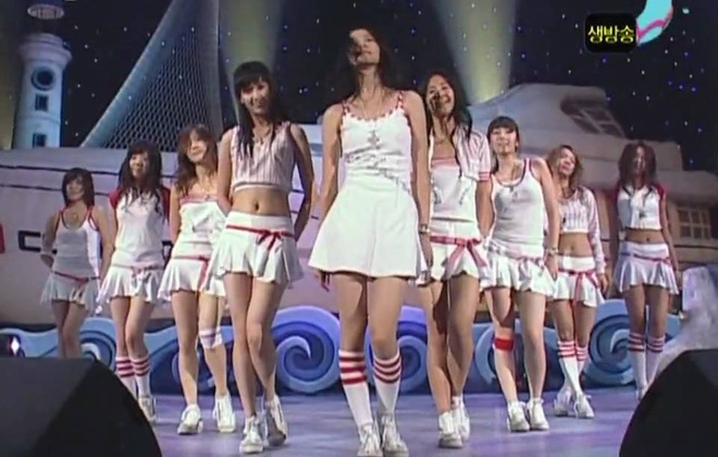 Into the new world - SNSD hinh anh