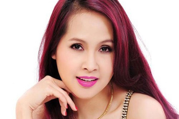 Hon nhan cay dang cua Minh Thu voi chong kem 9 tuoi hinh anh