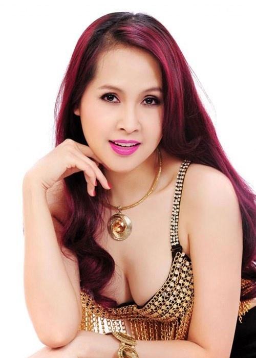 Hon nhan cay dang cua Minh Thu voi chong kem 9 tuoi hinh anh 4