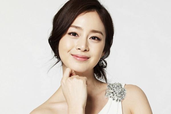 Kim Tae Hee huy chuyen di den Viet Nam hinh anh