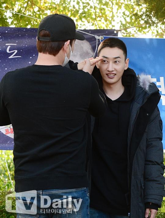 Eun Hyuk cua Super Junior roi nuoc mat ngay nhap ngu hinh anh 4