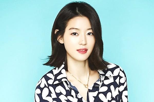 Jun Ji Hyun bi phan doi nhan giai thuong cua Tong thong hinh anh