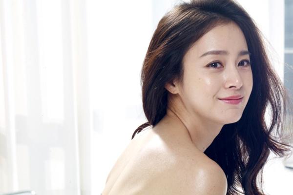 Kim Tae Hee chia se ve ban trai Rain hinh anh