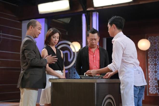 Giam khao Vua dau bep noi ve tin don uu ai Thanh Cuong hinh anh