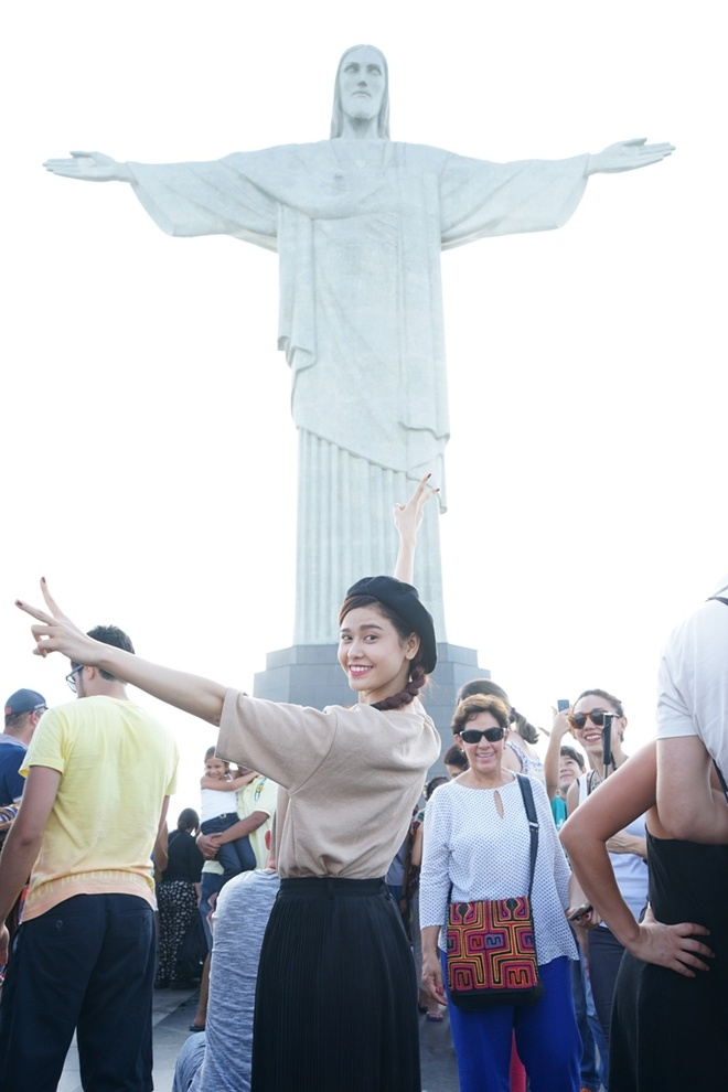 Truong Quynh Anh kham pha Brazil cung vo chong Chi Trung hinh anh 7