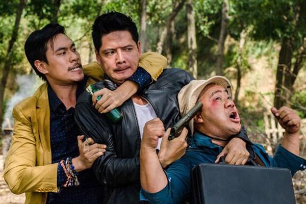 Phim cua Binh Minh dam chat hai - hanh dong hinh anh