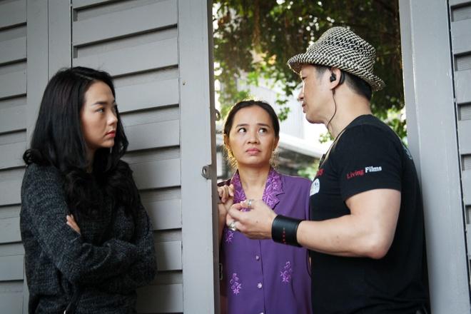Minh Hang dien nhieu canh man nong trong phim moi hinh anh 1