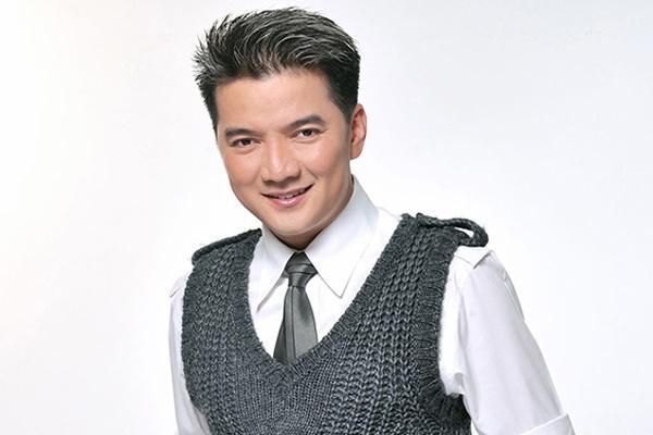 Dam Vinh Hung lam phim ve cuoc doi minh hinh anh