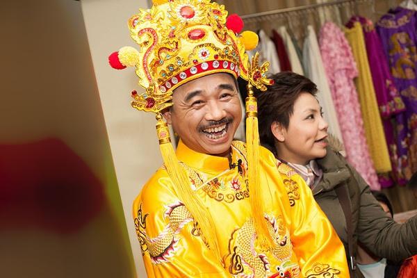 'Ngoc Hoang' Quoc Khanh thay minh ra dang nguoi cha hinh anh