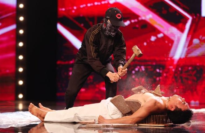 Tran Thanh khoc - cuoi tren san khau Vietnam's Got Talent hinh anh 6