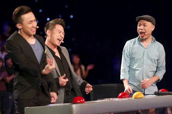 Be danh trong 8 tuoi khien giam khao Got Talent bat khoi ghe hinh anh