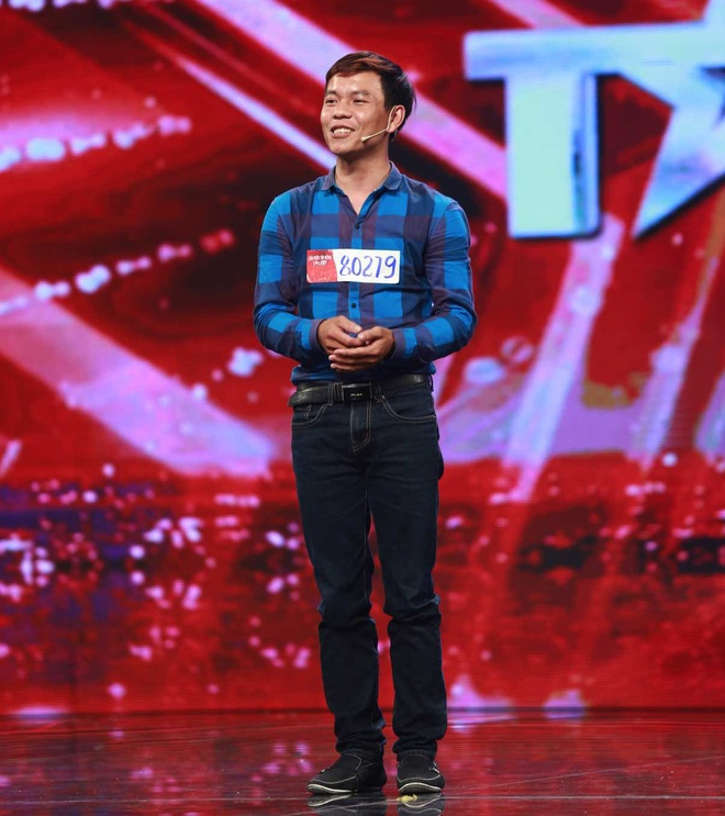 Giam khao Got Talent phan khich nghe gia giong Le Hoang hinh anh 4