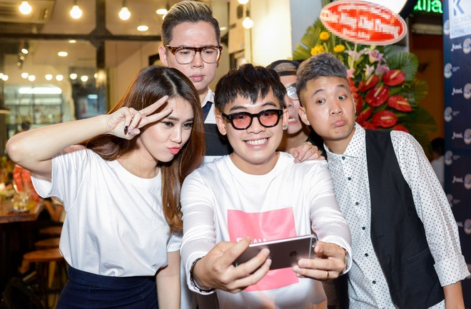 Toc Tien sanh doi Hoang Touliver mung Justa Tee hinh anh 6