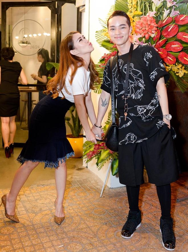 Toc Tien sanh doi Hoang Touliver mung Justa Tee hinh anh 8