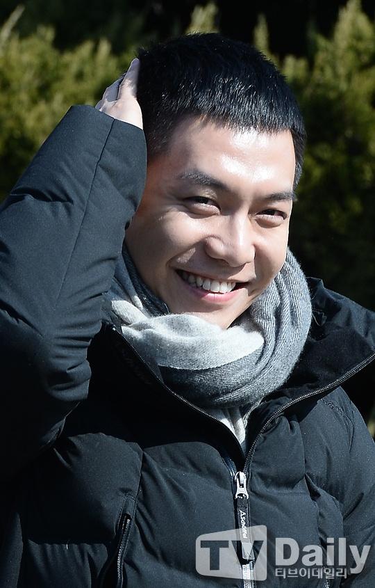 Lee Seung Gi tuoi roi nhap ngu trong vong vay cua fan hinh anh 3