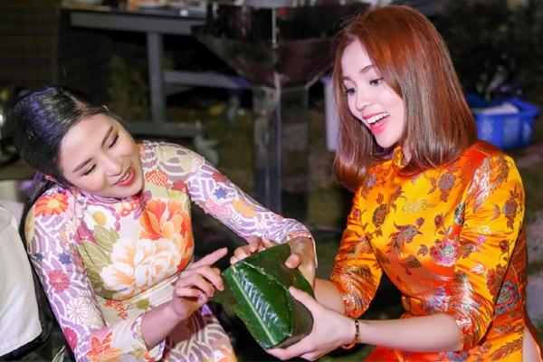 Hoa hau Ky Duyen - Ngoc Han ron rang goi banh chung hinh anh