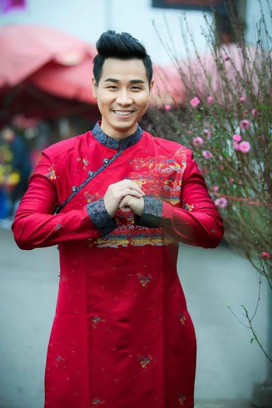 Nguyen Khang dien ao dai di mua hoa o Ha Noi hinh anh 6
