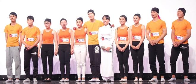 Thi sinh gia 20 giong khien giam khao Got Talent tron mat hinh anh 10