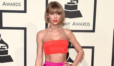 Taylor Swift khoe eo thon tren tham do Grammy 2016 hinh anh