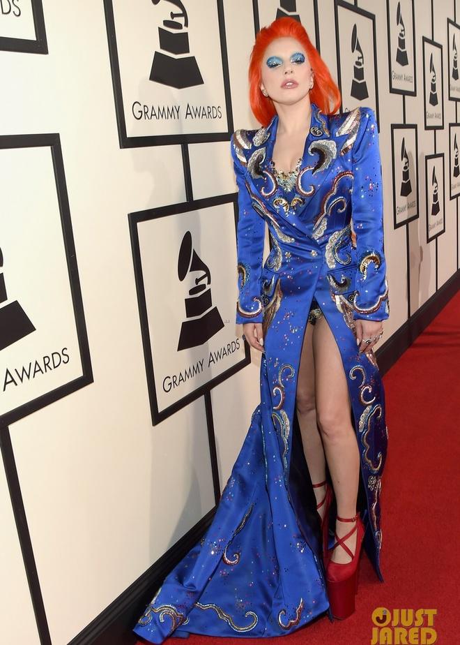 Taylor Swift khoe eo thon tren tham do Grammy 2016 hinh anh 8