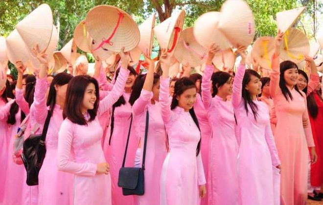 TP HCM van dong phu nu toan thanh pho mac ao dai hinh anh 1