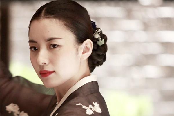 Han Hyo Joo lam ky nu trong phim moi hinh anh