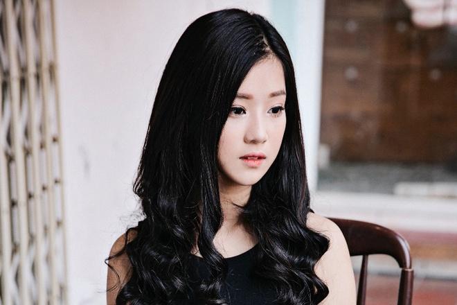 Hoang Yen Chibi bi nguoi yeu bo roi trong MV hinh anh
