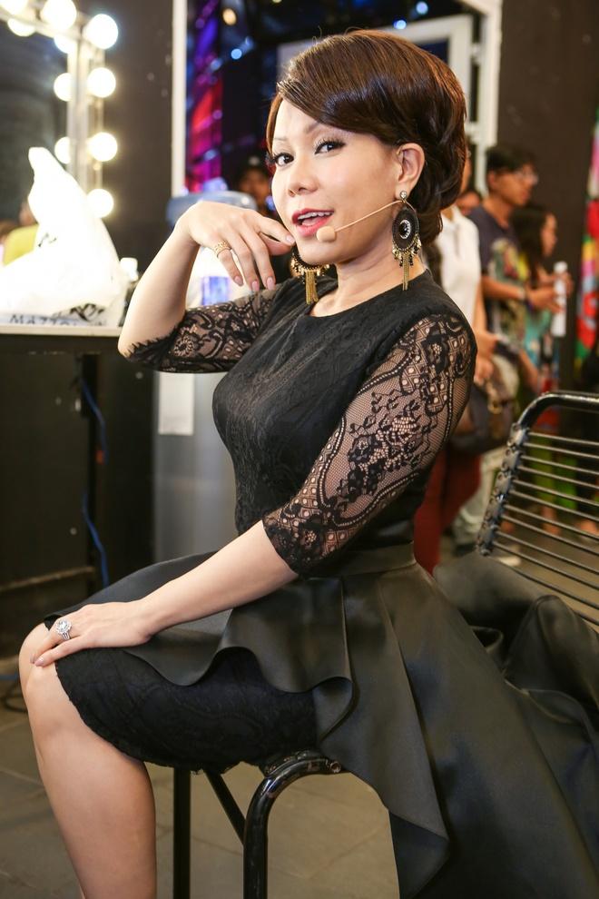 Tran Thanh Hari Won di an khuya anh 6