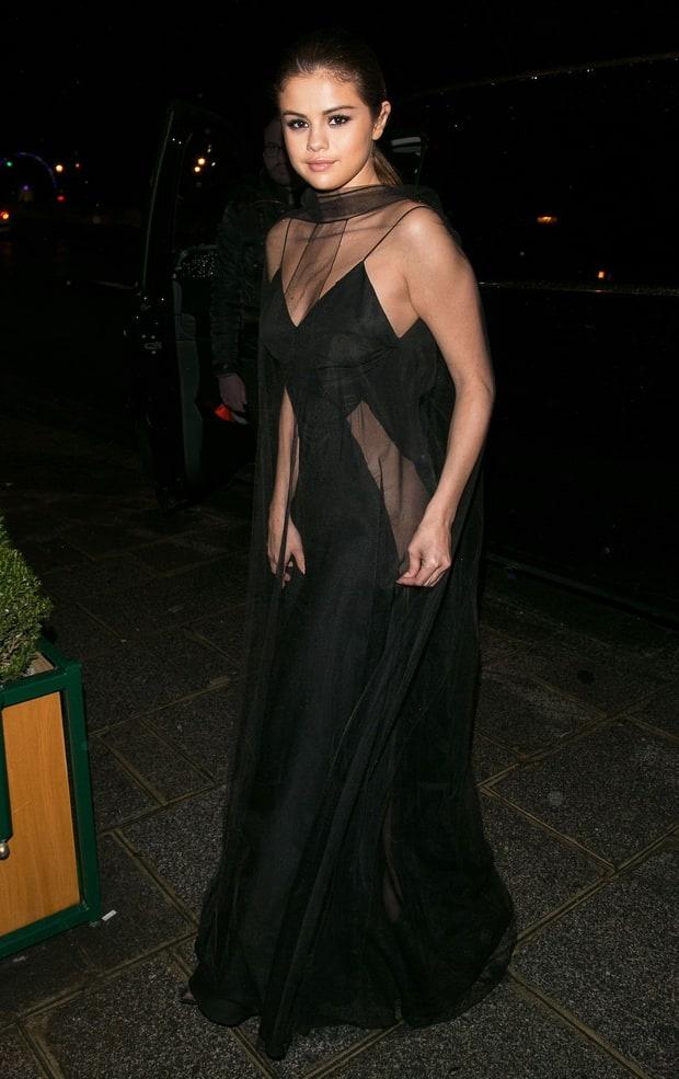 Selena Gomez bien hoa phong cach trong 3 ngay hinh anh 4