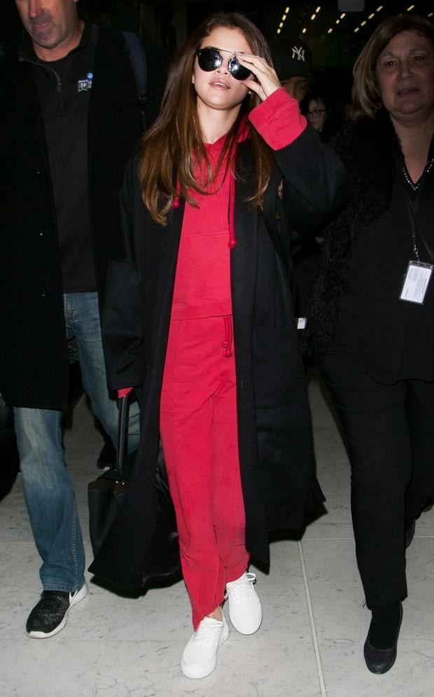 Selena Gomez bien hoa phong cach trong 3 ngay hinh anh 8