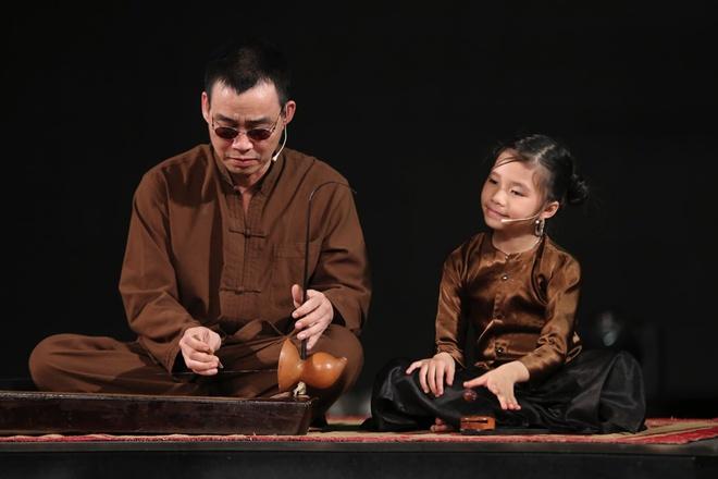 Than dong hat xam 7 tuoi chinh phuc san khau Got Talent hinh anh