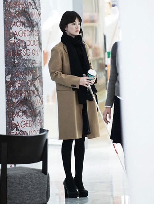 Con sot thoi trang tu nhung bo phim cua Song Hye Kyo hinh anh 6