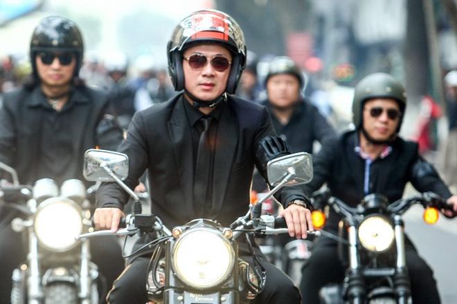 MC Anh Tuan dan dau doan biker Ha Noi tien dua Tran Lap hinh anh