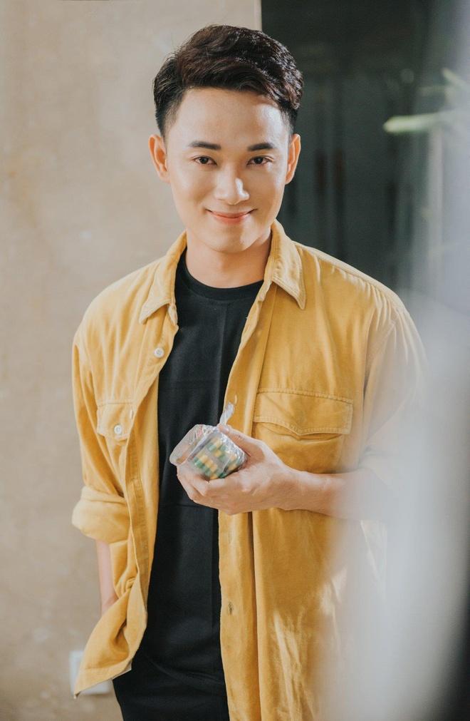 Truc Nhan ngoai doi co an mac loe loet nhu trong MV 'Sang mat chua'? hinh anh 8