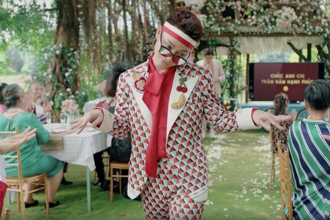 Truc Nhan ngoai doi co an mac loe loet nhu trong MV 'Sang mat chua'? hinh anh 2