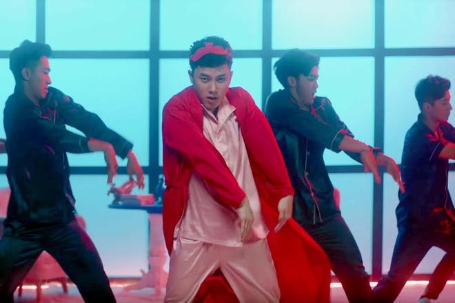 Truc Nhan ngoai doi co an mac loe loet nhu trong MV 'Sang mat chua'? hinh anh 6