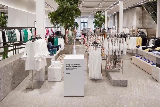 Zara va H&M dong hang tram cua hang, chuyen sang ban online hinh anh 2