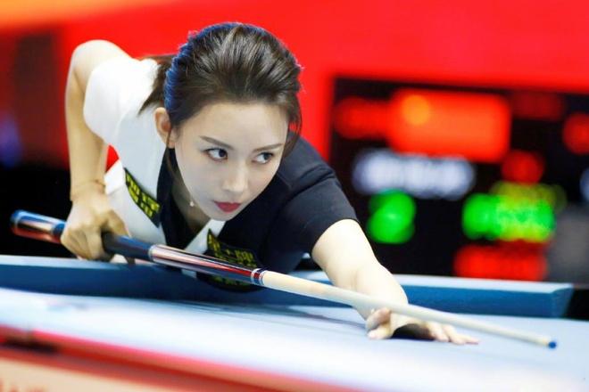 Nhung duong co ao dieu cua nu hoang billiards Trung Quoc hinh anh