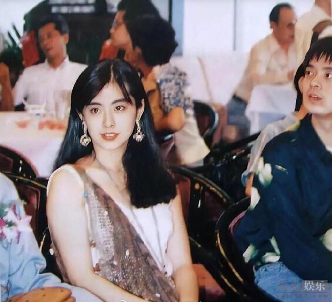 My nhan Vuong To Hien khoe nhan sac tuoi tre o tuoi 52 hinh anh 4