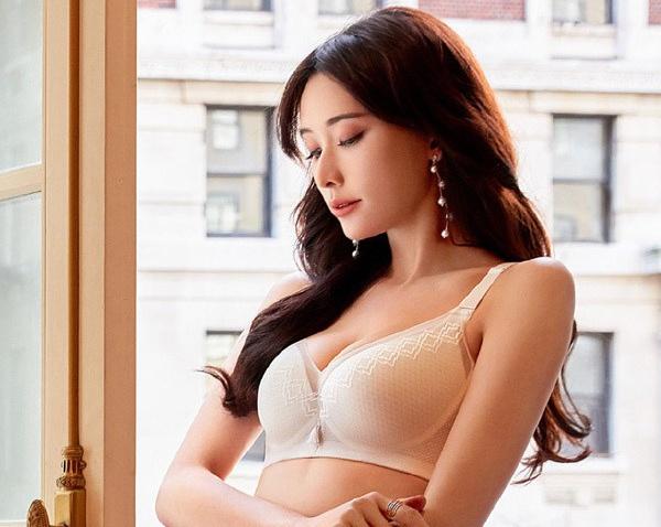 Lam Chi Linh - sieu mau bi dieu tieng vi anh kheu goi, on ao ban dam hinh anh 10