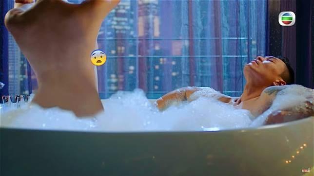 Phim moi cua TVB gay ban tan vi canh nong hinh anh 2