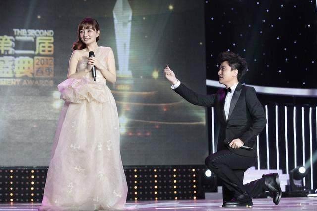 Ly Tieu Lo va Gia Nai Luong - hon nhan ket thuc sau 3 clip ngoai tinh hinh anh 2