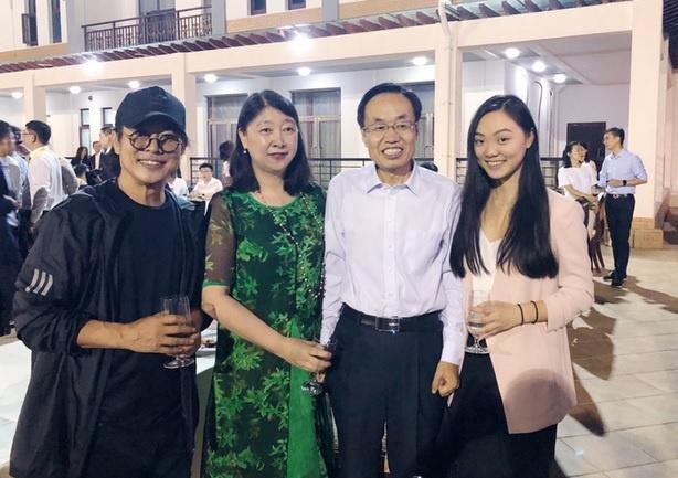 Ly Lien Kiet va con gai du su kien cung Jack Ma hinh anh 1
