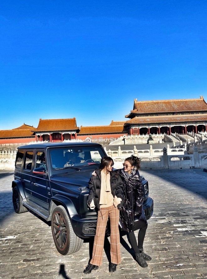 Nguoi mau Trung Quoc bi tay chay vi lai Mercedes vao Tu Cam Thanh hinh anh 1 157d4a7c574c4275b9c12d4ade2f2b4b.jpeg
