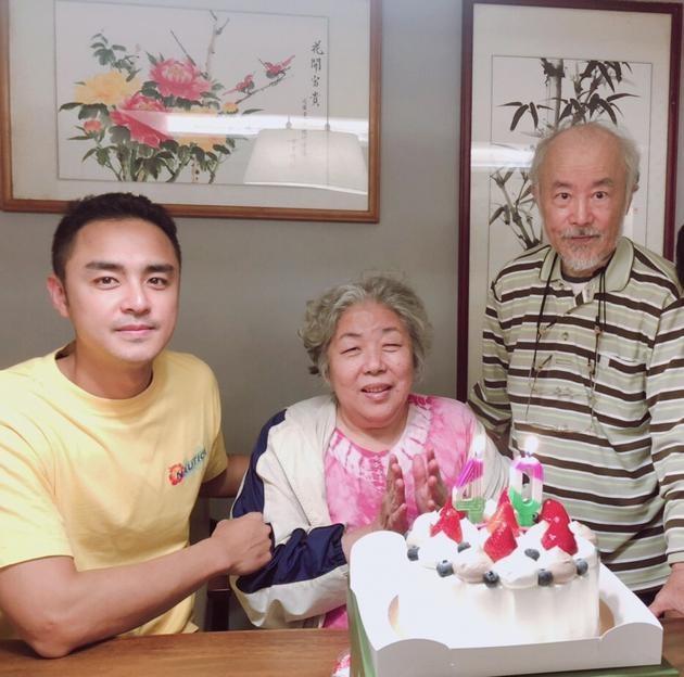 Minh Dao don sinh nhat ben cha me sau bien co anh trai tu sat hinh anh 1 3e5b_ipzreiw7042472.jpg