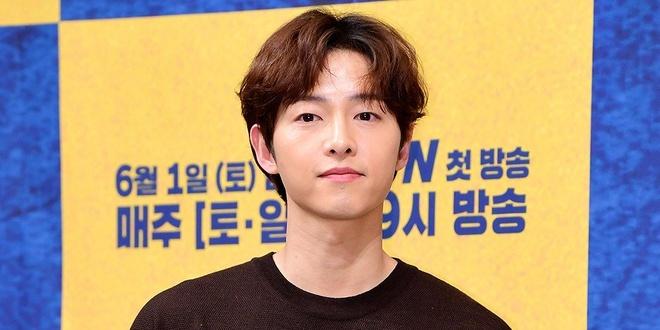 Song Joong Ki pha bo nha tan hon sau khi chia tay Song Hye Kyo hinh anh 2 songjoongki.jpg