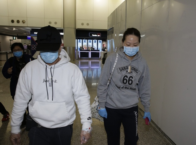 Chan Tu Dan phai deo vong tay theo doi khi tro ve Hong Kong hinh anh 1 ctd2.jpg