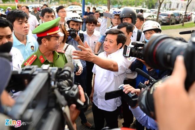 Ong Doan Ngoc Hai: 'Cha me toi 20 nam buon ban tren via he' hinh anh 1