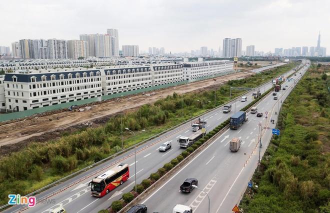 TP.HCM kiến nghị làm bãi đậu xe dưới gầm cầu cao tốc