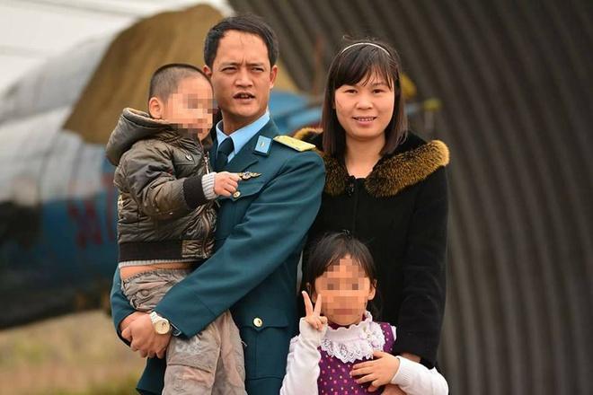 Than nhan phi cong Su-22: 'Ve di Tri oi, hoa lan no roi' hinh anh